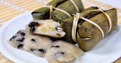 Steamed Sweet Sticky Rice with Banana
